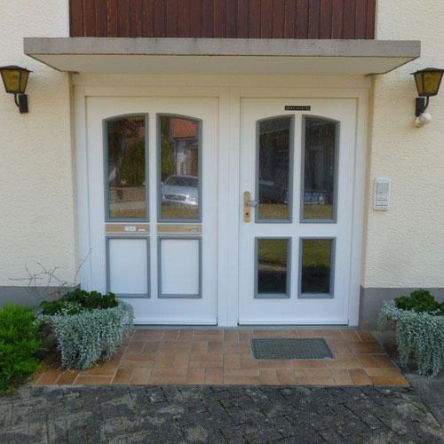 Referenz Haustür - Schreinerei Bergmann - Küssaberg-Kadelburg
