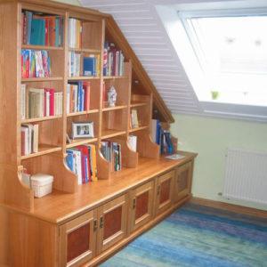 Referenz Bücherregal - Schreinerei Bergmann - Küssaberg-Kadelburg
